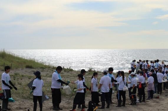 ユースによる海洋ゴミ清掃活動 ~海と日本PROJECT~